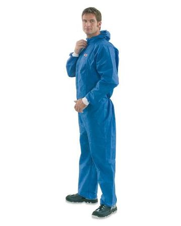 3M disposable protective coverall 4530 for sanding, painting and varnishing